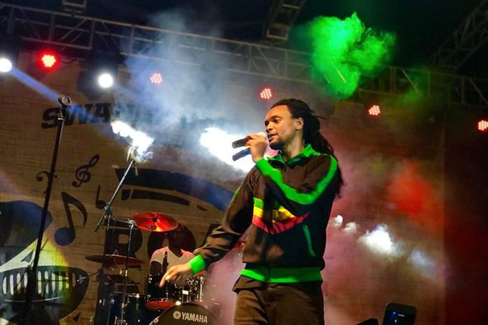 Jamal, Maro, Feffe Bussi and Chameleone light up Roast & Rhyme 7th edition