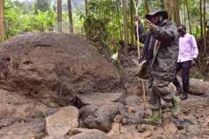 President Museveni apologises for Bududa landslides, gives millions to families