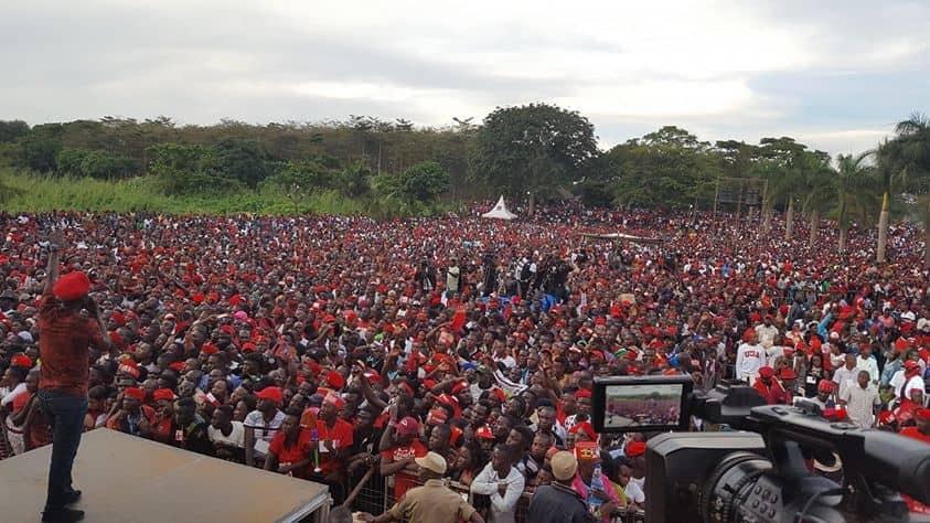Bobi Wine sends message to Government at Kyarenga concert