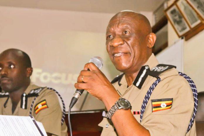 IGP Ochola sends warning to officers